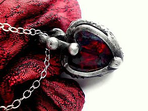 Náhrdelníky - cínovaný prívesok červené sklo - obojstranný - 7745082_