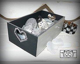 Dekorácie - čierno-strieborná bednička+3 kraslice :) - 7753127_