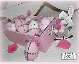 Dekorácie - Ružové kraslice v bedničke :) - 7753167_