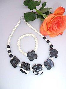 Sady šperkov - náhrdelník a náramok perly ónyx - kvety noci - 7755513_