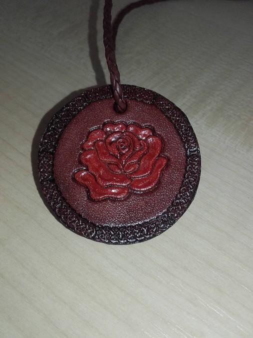 b202b48da Prívesok ruža / SlovpraM - SAShE.sk - Handmade Náhrdelníky