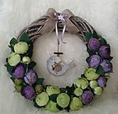 Dekorácie - Prútený veniec s vtáčikom fialovo-zelenkavý - 7762496_