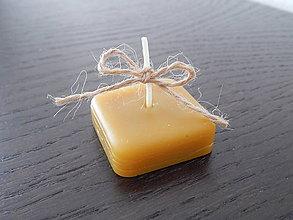 Darčeky pre svadobčanov - Sviečky z včelieho vosku - štvorčeky II. - 7763626_