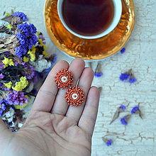 Náušnice - Saffron baldachins - vyšívané puzety - 7767269_