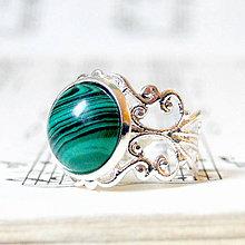 Prstene - Romantic Synt. Malachite Ring / Romantický prsteň s rekonštruovaným malachitom - 7771340_