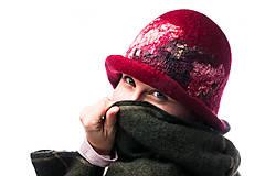 Čiapky - Dámsky vlnený klobúk, ručne plstený z jemnej Merino vlny, červený, Klobúk typ Cloché - 7768953_