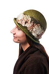 Čiapky - Olivovo zelený vlnený klobúk, Cloche, ručne plstený z merino vlny, - 7768964_