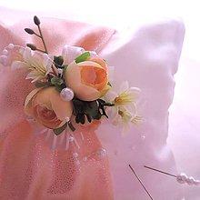 Darčeky pre svadobčanov - polštářek na prstýnky meruňkovobílý - 7770470_