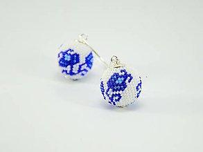 Náušnice - Háčkované korálkové náušnice Modrá ruža - 7769443_