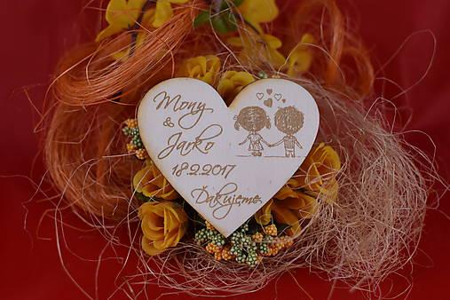 Drevená svadobná magnetka ako vyslužka hosťom  91