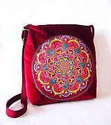 - Veliká bordová sametová taška s maľovaným vreckom - 7774322_