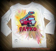 Detské oblečenie - Hasičské autíčko s pozadím - 7777632_