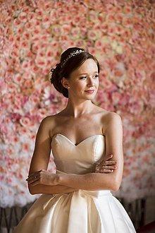 Ozdoby do vlasov - Perlová čelenka na svadbu - mini biela - 7773882_