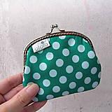 Peňaženky - Peňaženka Tmavozelená s bodkami - 7775713_