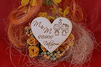 Darčeky pre svadobčanov - Drevená svadobná magnetka ako vyslužka hosťom  92 - 7775797_