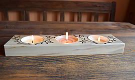 Svietidlá a sviečky - Svietnik z topoľového dreva s lístkami - 7780226_