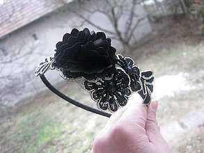 Ozdoby do vlasov - Ozdobná čipková čelenka (Čierno zlatá ozdobná slávnostná čelenka - akcia č.711) - 7781841_