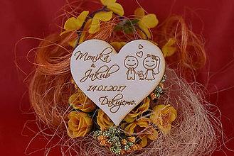 Darčeky pre svadobčanov - Drevená svadobná magnetka ako vyslužka hosťom  95 - 7780790_