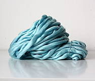 Superhrubá pletacia priadza Mentolová modrá vlna 250g