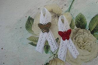 Pierka - Malé svadobné pierka s motýlikom - 7785651_
