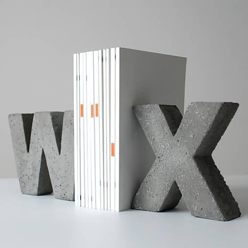 """Držiak kníh z betónu """"X"""""""