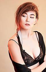 Ozdoby do vlasov - Jemnučký prírodný hair clip s pierkom - 7786005_