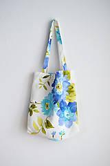 - Kvetovaná nákupná taška - modrá  - 7784537_