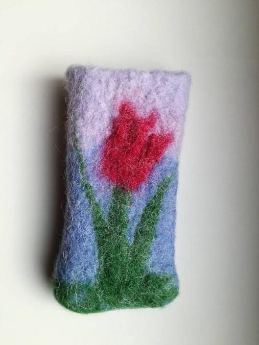 Plstený obal na mobil s tulipánom