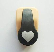 Pomôcky/Nástroje - Dierovačka na hrubší papier, moosgummi - 16 mm, srdce, srdiečko - 7789936_