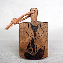 Kľúčenky - Kľúčenka z orechového dreva - líška - 7789127_