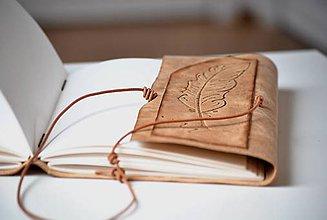 Papiernictvo - kožený zápisník FEATHER - 7789440_
