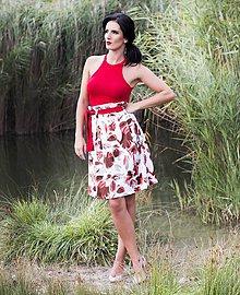 Sukne - Saténová sukňa s červenými kvetmi a opaskom - 7792616_