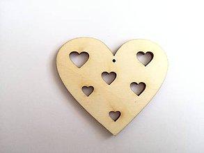Polotovary - Drevený vyrez srdce so srdiečkami - 7790797_