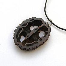 Náhrdelníky - Orechový ornament - 7789233_