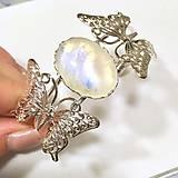 Moonstone & Silver Bangle Bracelet / Obručový náramok s motýľmi a mesačným kameňom