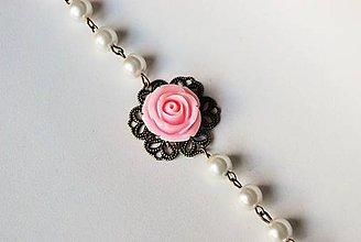 Náramky - Náramok s perlami a ružou v ružovom - 7794506_