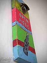Otvárač na flaše drevený 1