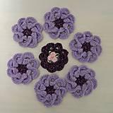 Háčkované kvietky fialové