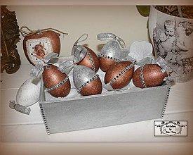 Dekorácie - Bronzové kraslice v bedničke :) - 7801032_