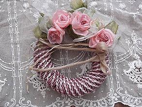 Dekorácie - romantický ružový venček - 7803955_