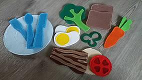 Hračky - jedlo a stolovanie do Qb - 7811133_