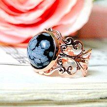 Prstene - Romantic Snowflake Obsidian Rose Gold Ring / Romantický prsteň s vločkovým obsidiánom v prevedení ružové zlato - 7808704_