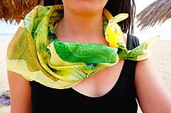 - žlto-zelená hodvábna šatka Pierka - 7809437_