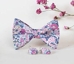 Náhrdelníky - Dámsky elegantný set - motýlik a kvetinové náušnice - 7808631_