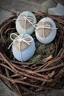 Dekorácie - Veľkonočné vajíčka so špagátovým srdiečkom - 7807274_