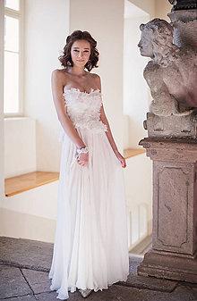 Šaty - Svadobné z lupienkov kvetov - 7815454_