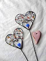 Dekorácie - srdiečko-zápich...láska je farebná - 7819396_