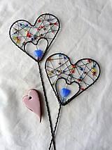 Dekorácie - srdiečko-zápich...láska je farebná - 7819407_