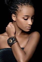 Náramky - Lion Head Bracelet - vyšívaný náramek - 7821867_