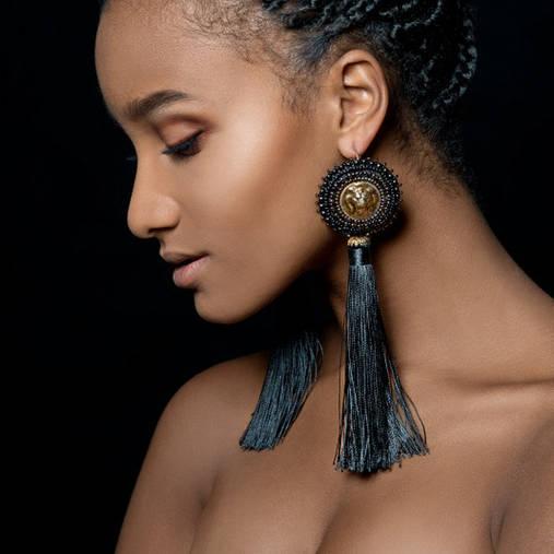 Lion Head Earrings - vyšívané náušnice